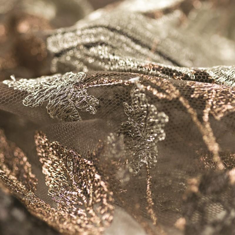 ricamo-floreale-su-tulle (1)