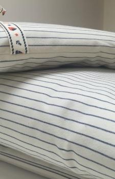 Бампер в детскую кровать